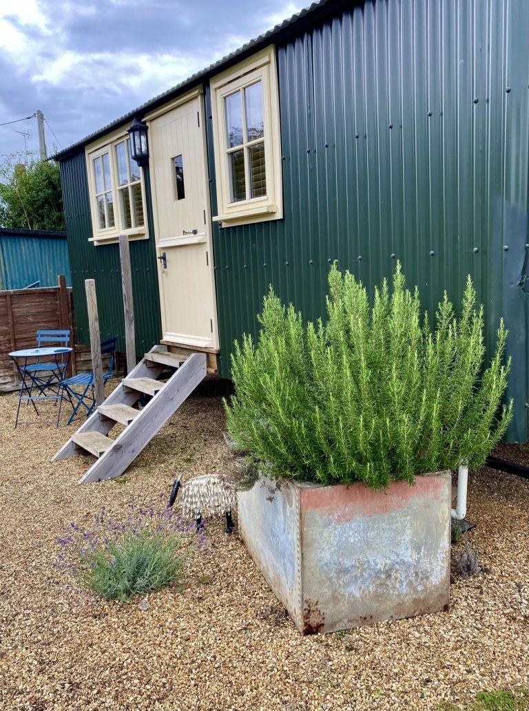Your own herb garden, garden furniture, bbq available also
