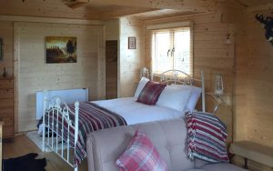 Self-contained, self-catering dog-friendly log cabin